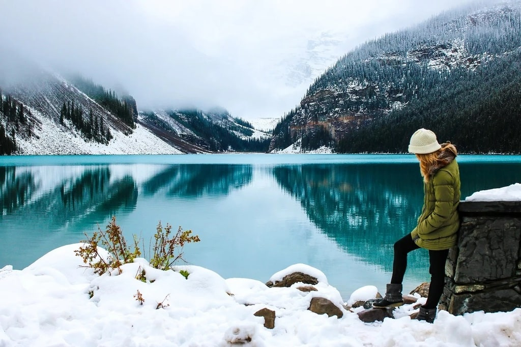 Femme : bien choisir ses vêtements pour la randonnée en montagne en France